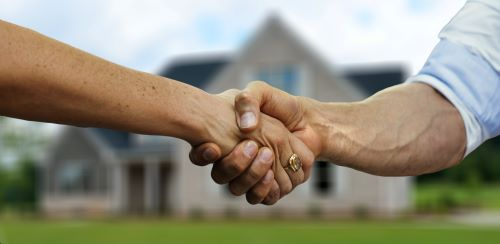 Handshake to buy house